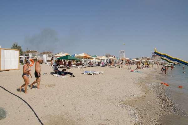 Маленький песчаный пляж. Фото Евпатории