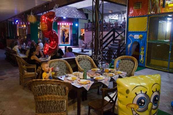 Детский день рождения в кафе Аркадия. Фото Заозёрного