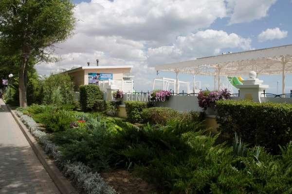 Набережная сад в Крыму. Фото Евпатории