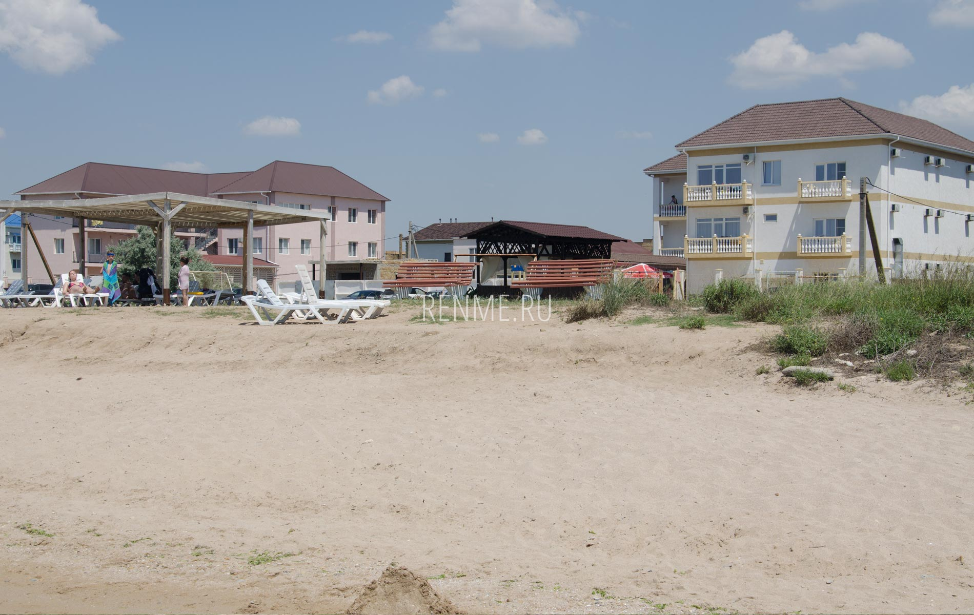 Отели у берега моря в Союз-2004. Фото Заозёрного