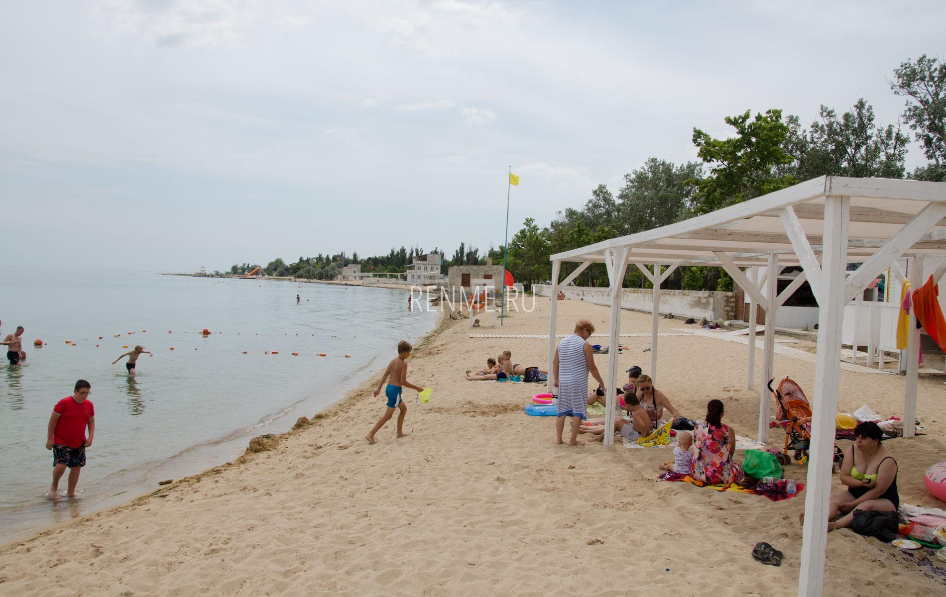 """Пляж """"Керкинитида"""" в Заозерном. Фото Заозёрного"""