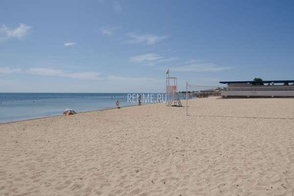 Пляж в поселке. Фото Заозёрного