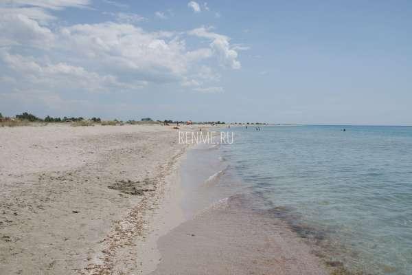 Штиль на диком пляже. Фото Штормового