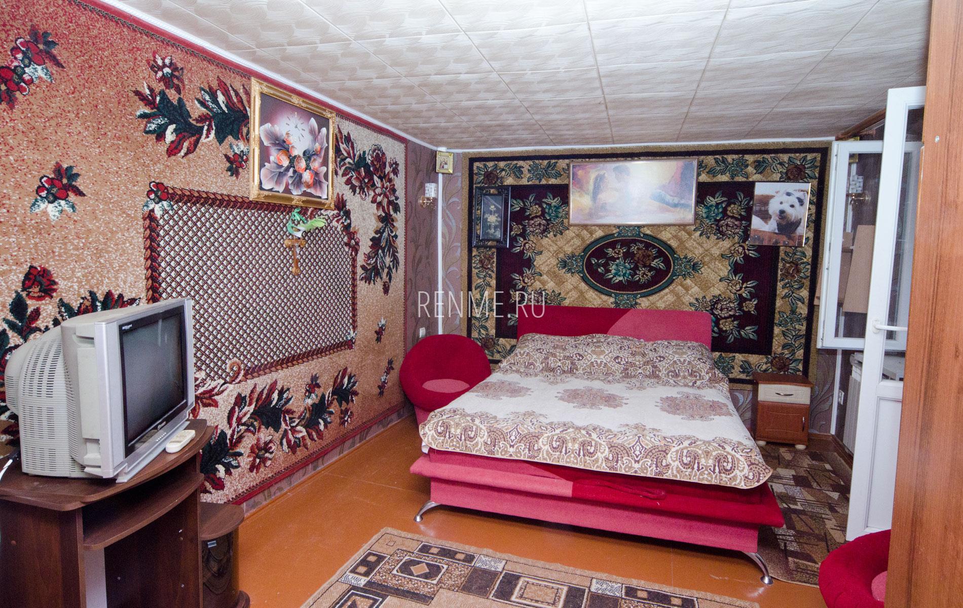 """Комната 2. Двухкомнатная квартира. Апарт-отель """"Берюзовый Бриз"""". Заозёрное"""