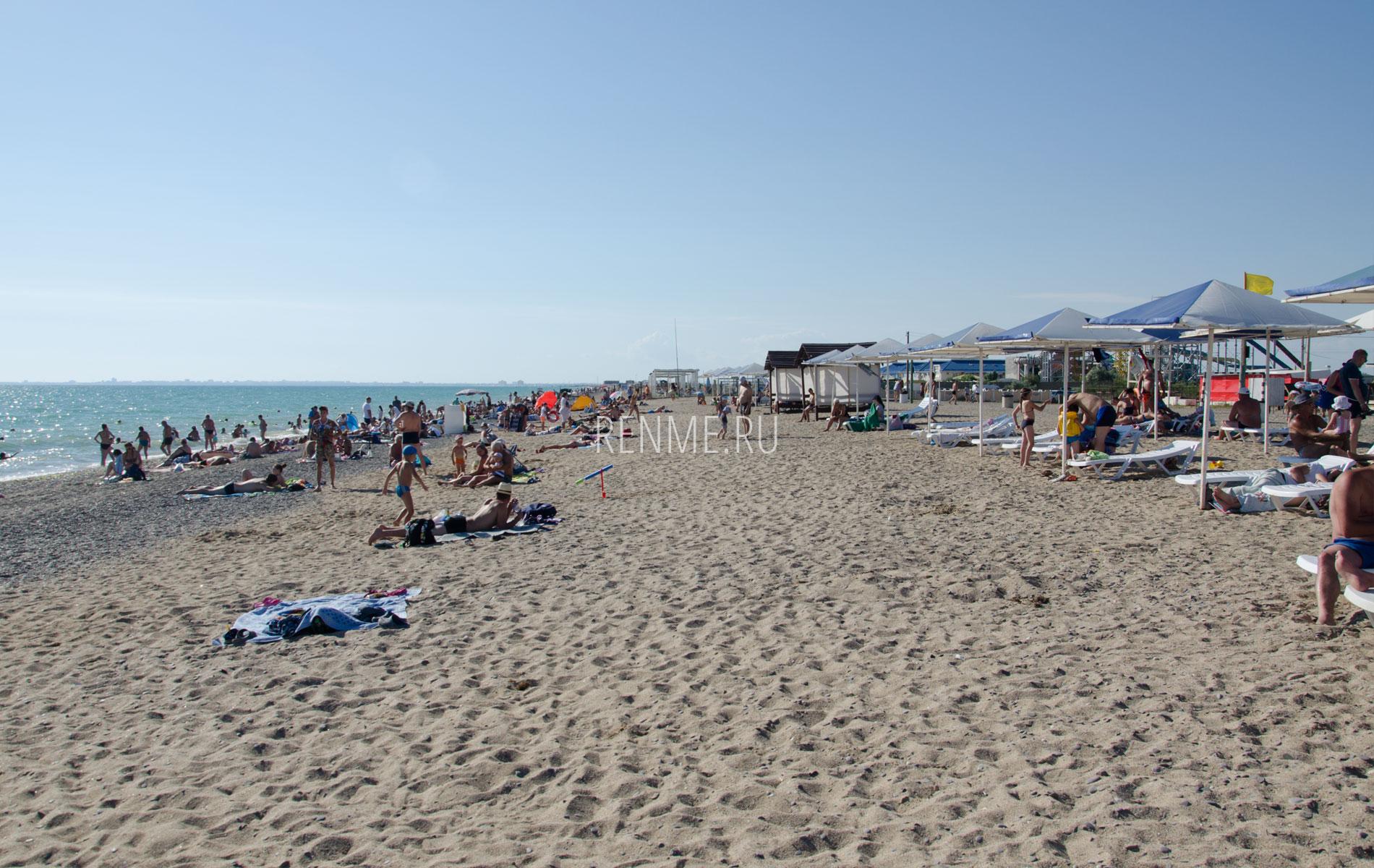 Крымский пляж в Прибрежном. Фото Прибрежного