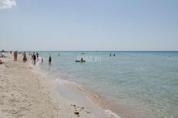 Море и пляж в Крыму. Фото Штормового