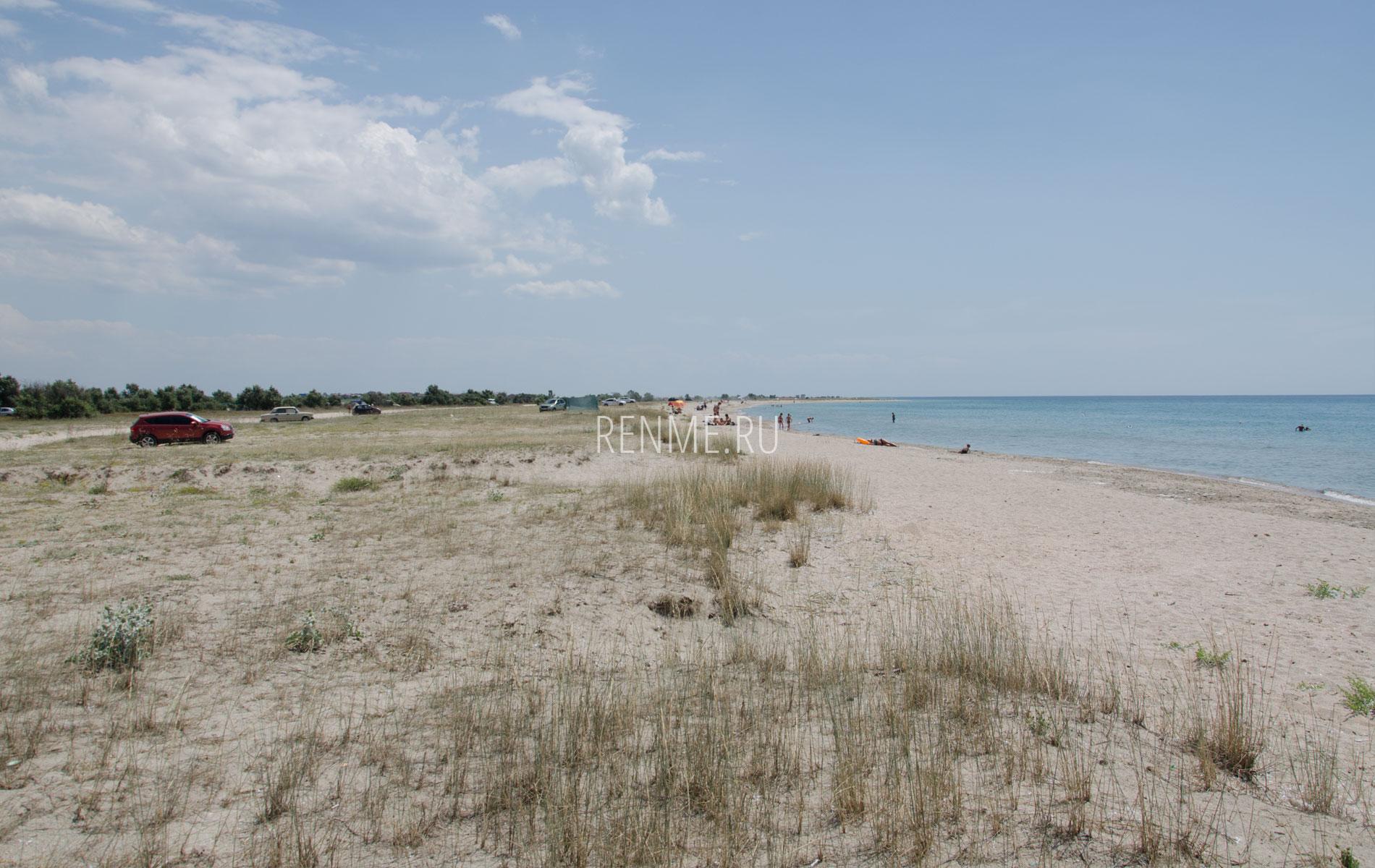 Лучший дикий пляж побережья. Фото Штормового