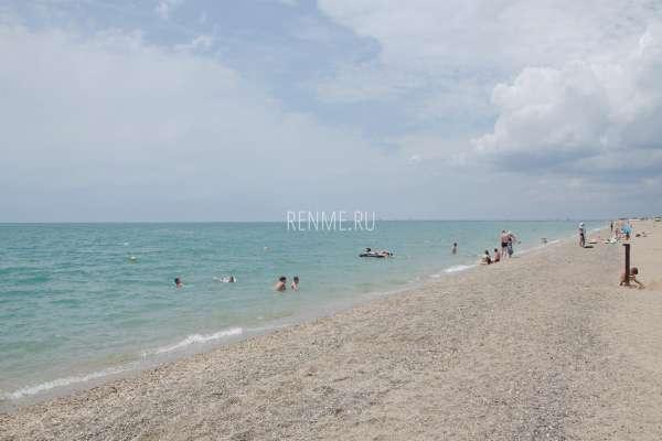 Фото галечного пляжа и моря в Прибрежном. Фото Прибрежного
