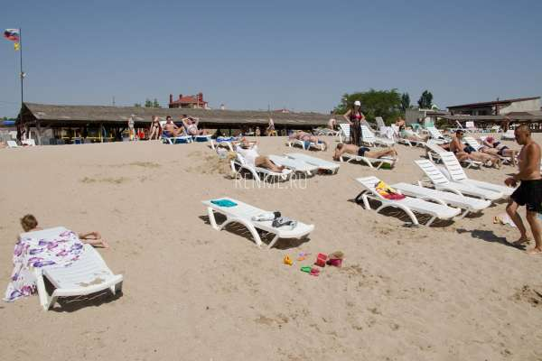 Песчаный пляж на Симферопольской. Фото Евпатории