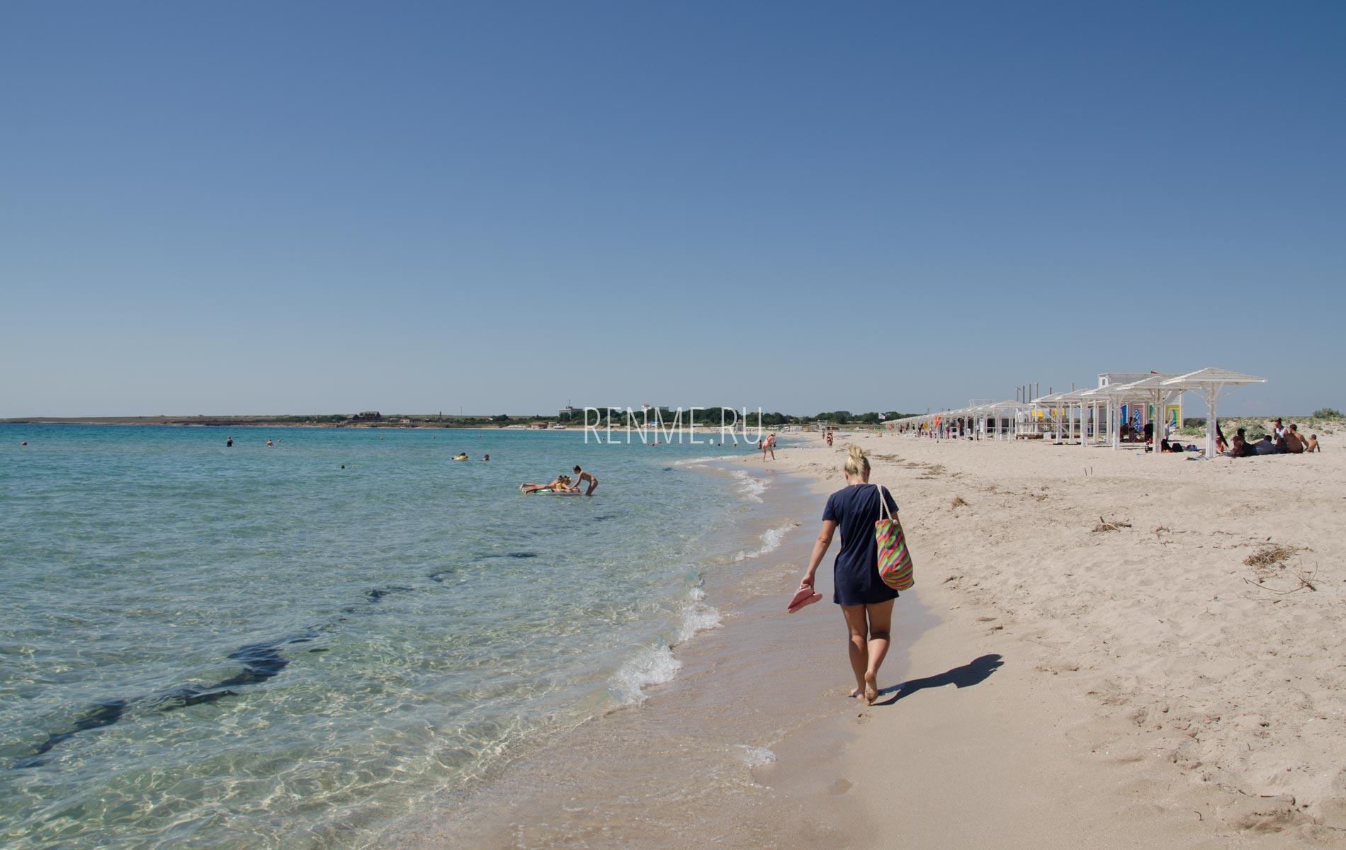 Поселок Оленевка, фото пляжа в июне. Фото Оленевки