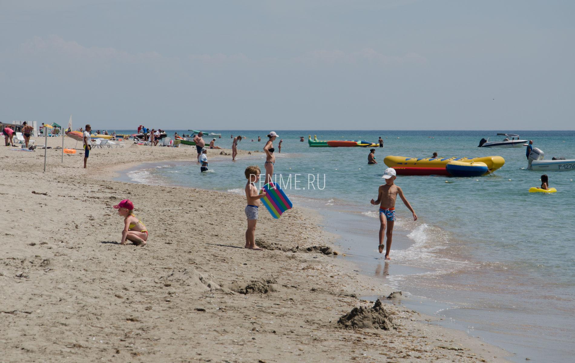 Пляж для детей в Штормовом. Фото Штормового