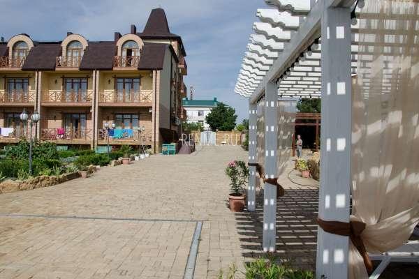 Крымский отель в красивом месте. Фото Евпатории