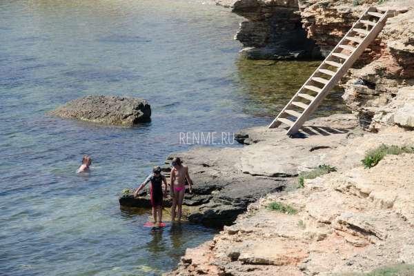 Дети купаются. Фото Оленевки
