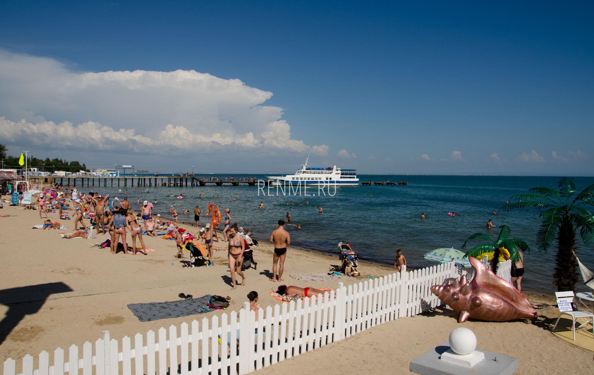 """Пляж """"Геркулес"""" и море 2019. Фото Евпатории"""