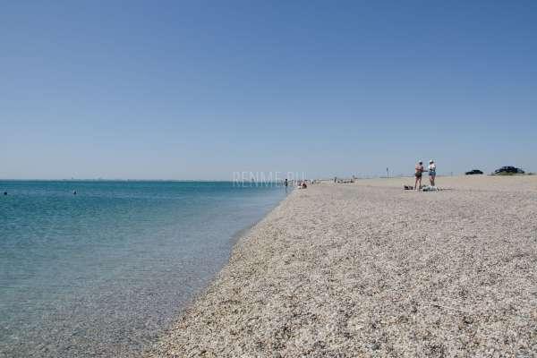 Лучший галечный дикий пляж в 2019 году. Фото Евпатории