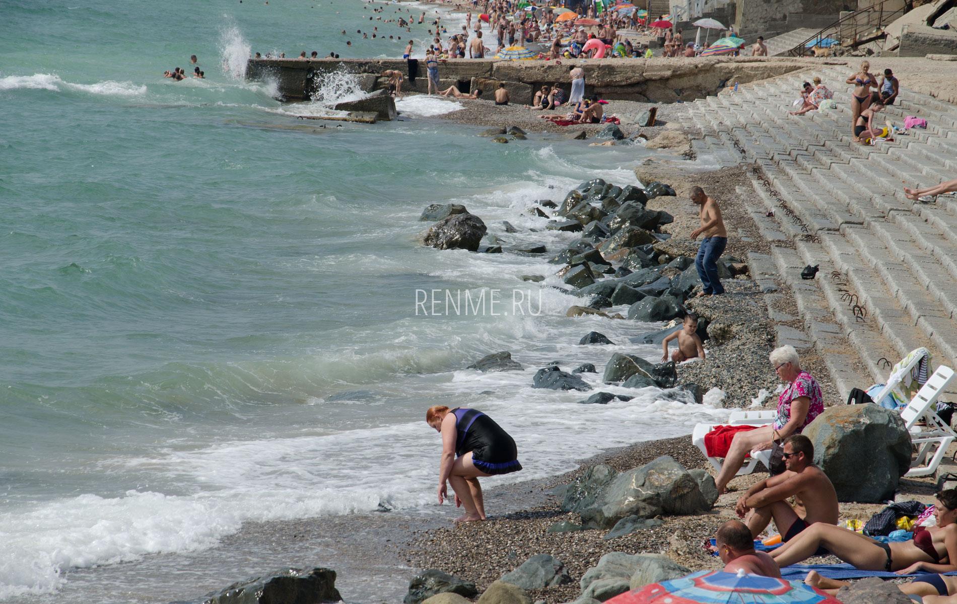 Волны на море в июле. Фото Николаевки