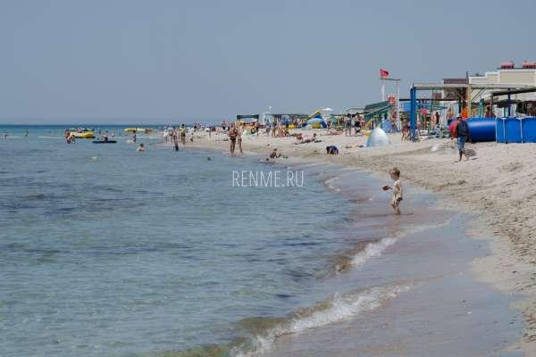 Море и белые пляжи. Фото Штормового