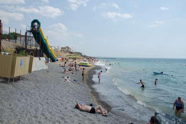 Пляж с развлечениями в Николаевке. Фото Николаевки