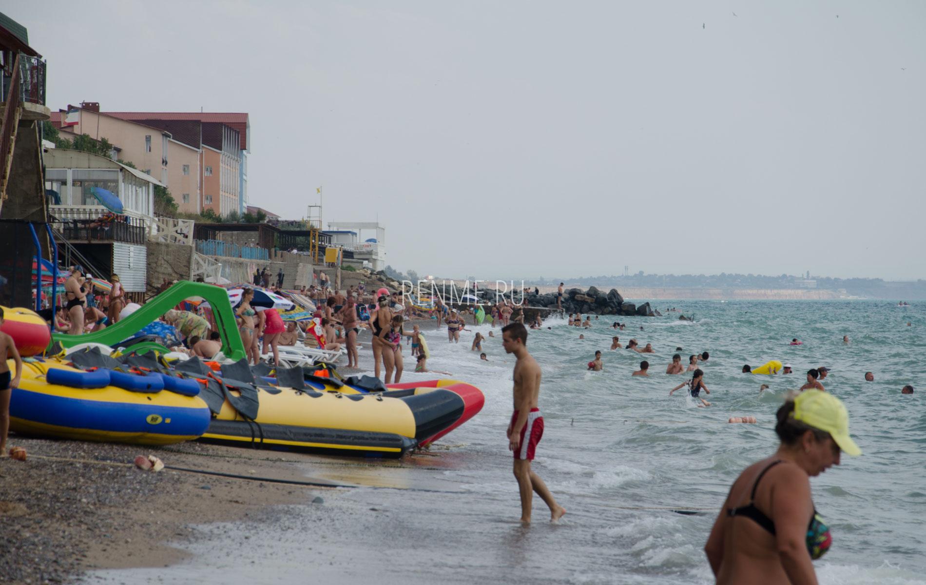 Развлечения на пляже летом. Фото Николаевки