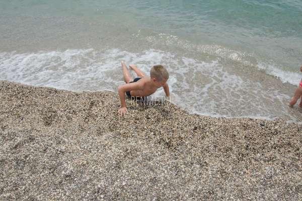 Хороший пляж Крыма для детей. Фото Прибрежного