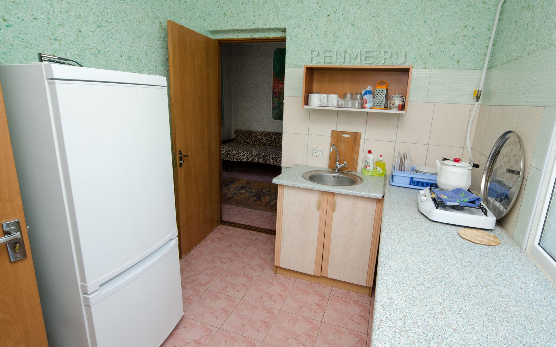 Своя, оборудованная кухня. Двухкомнатная  квартира. Апарт-отель на 8 квартир. Заозёрное