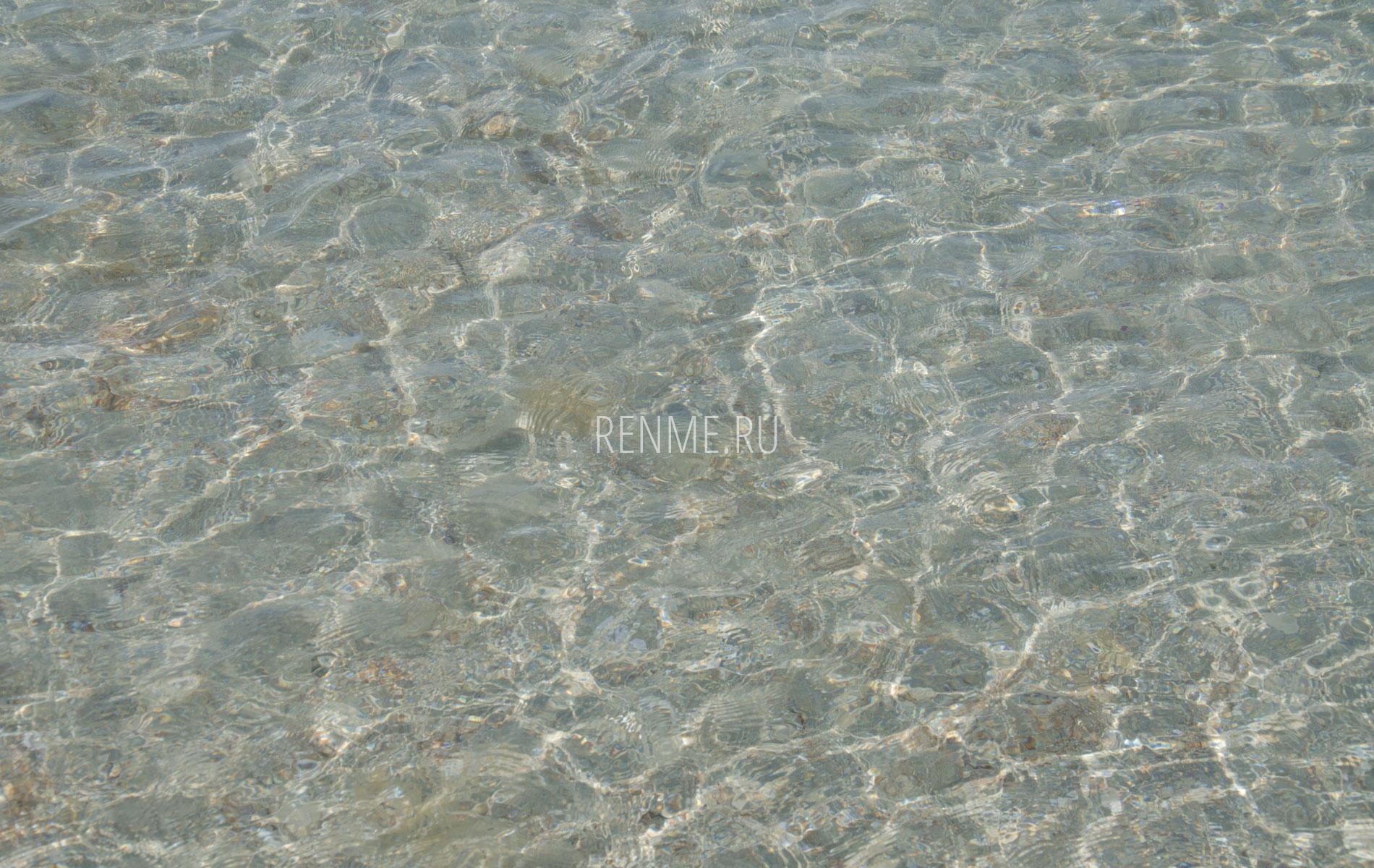 Пляж с чистым морем. Фото Штормового