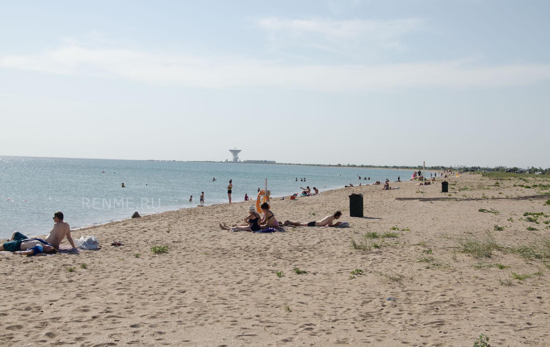 Дальше дикий пляж. Фото Заозёрного