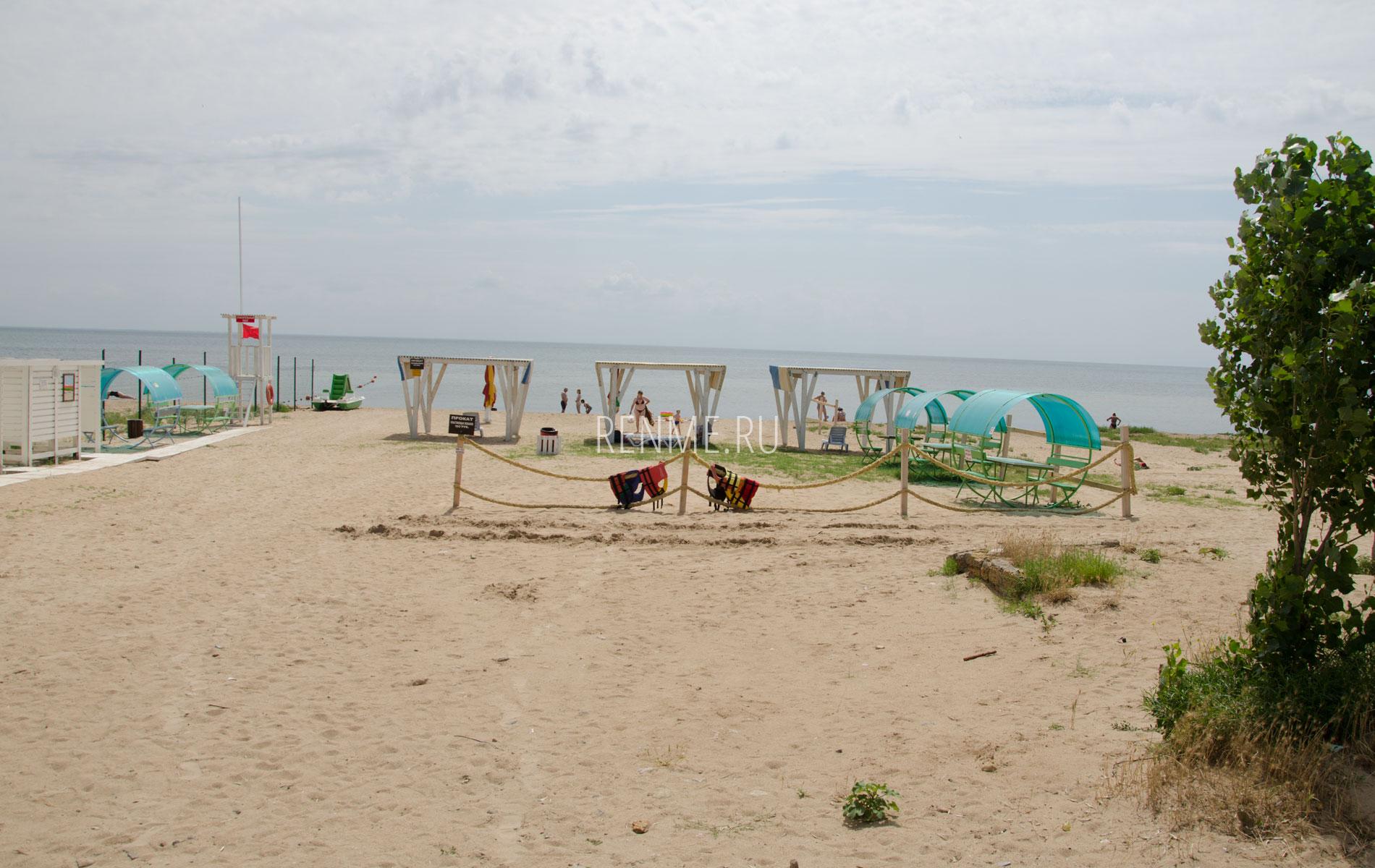 Песчаные пляжи Заозерного 29 июня. Фото Заозёрного