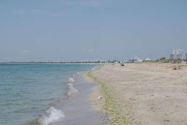Песчаные морской пляж в Заозёрном. Фото Заозёрного