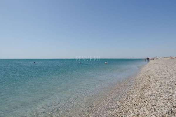 Берег Черного моря в сентябре. Фото Евпатории