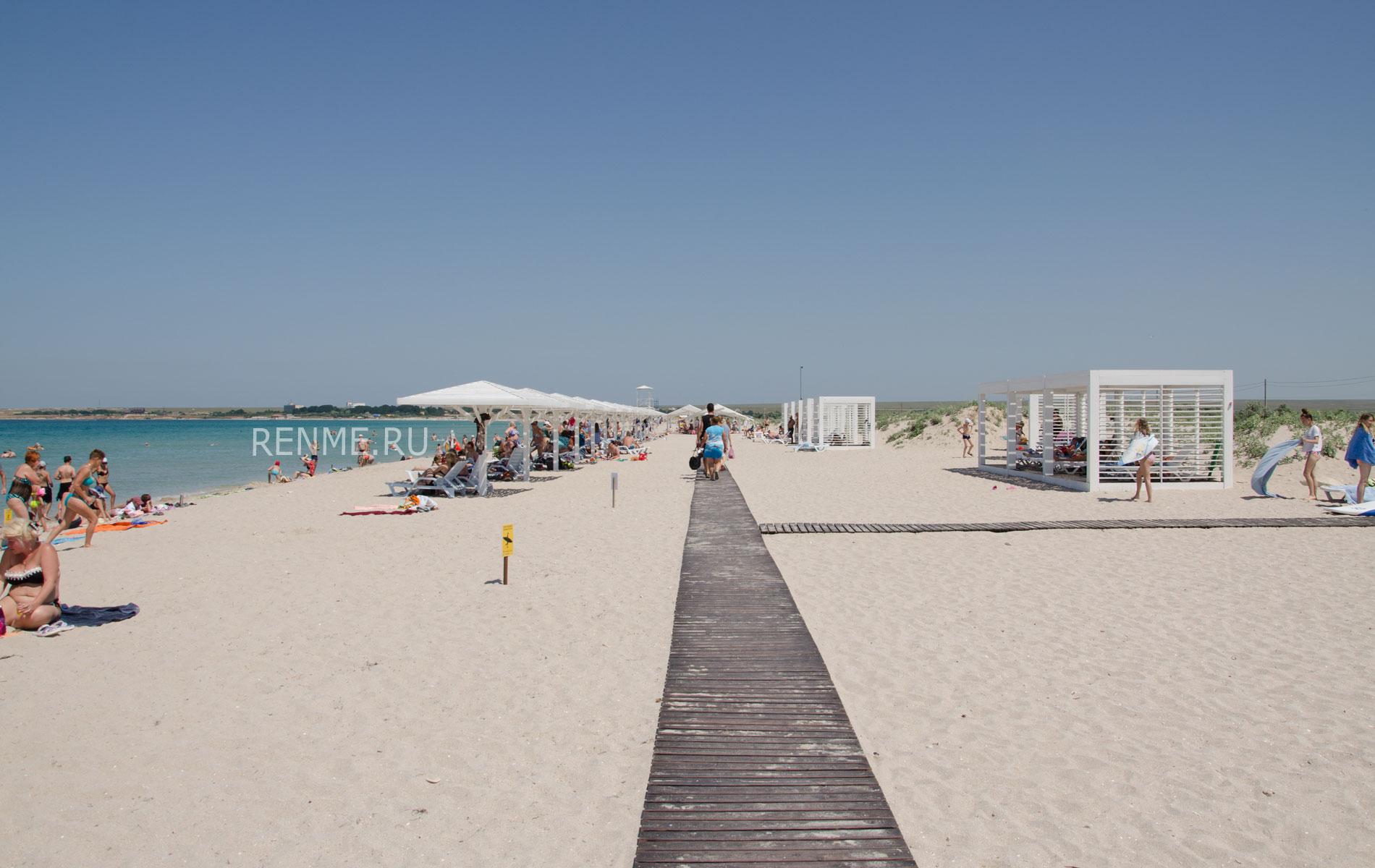 Лучший пляж Крыма в Оленевке. Фото Оленевки
