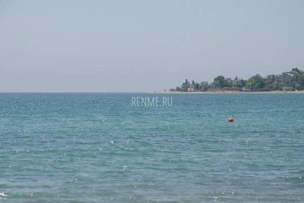 Июньское море в Евпатории. Фото Заозёрного