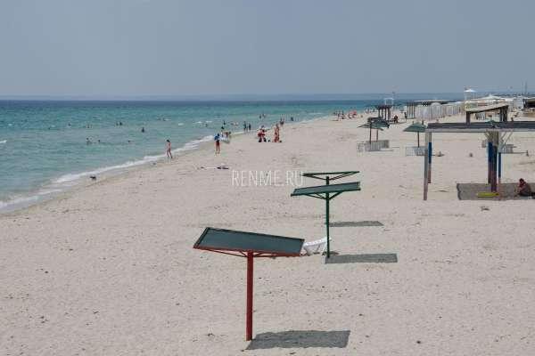Оборудованные пляжи Крыма в июне 2020. Фото Штормового