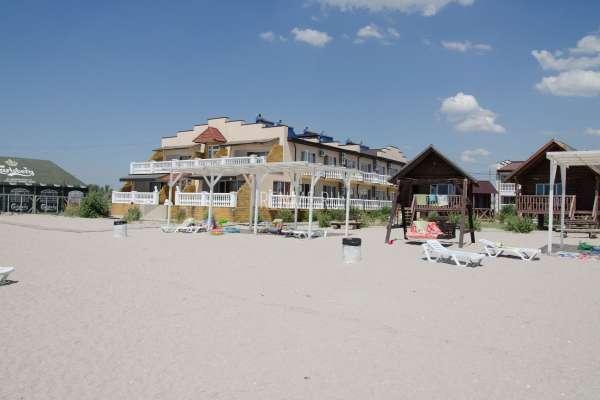Отель на берегу моря в Штормовом. Фото Штормового