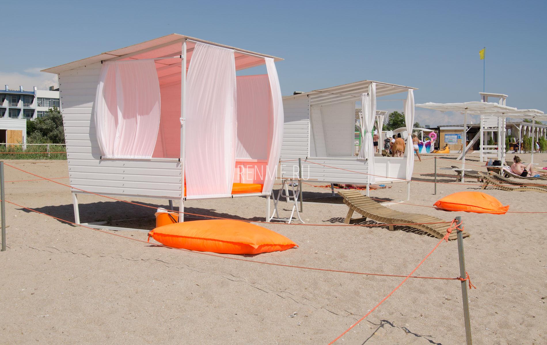 Снять бунгало на пляже. Фото Заозёрного