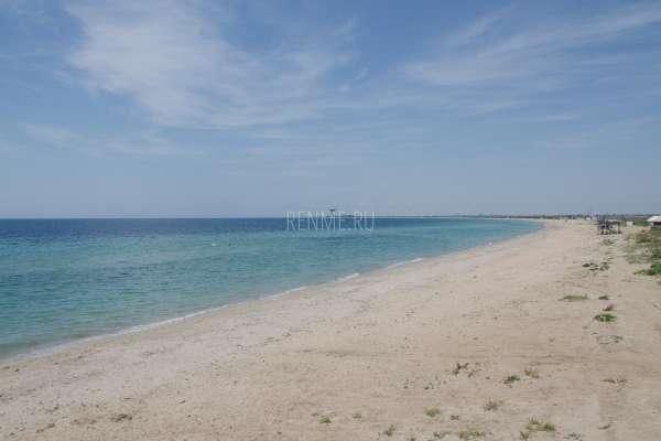 Побережье с песчаными пляжами. Фото Заозёрного