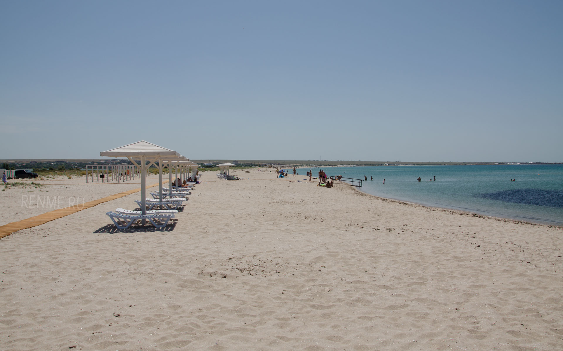 Оборудованный пляж. Фото Оленевки