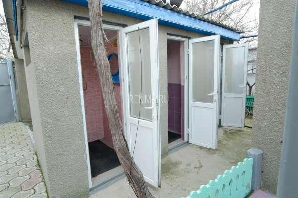Уличный душ. Фото Заозёрного