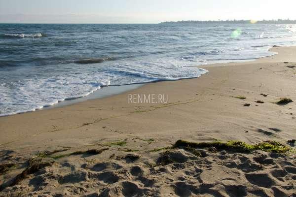 Осеннее море и пляж в 2019 году. Фото Евпатории