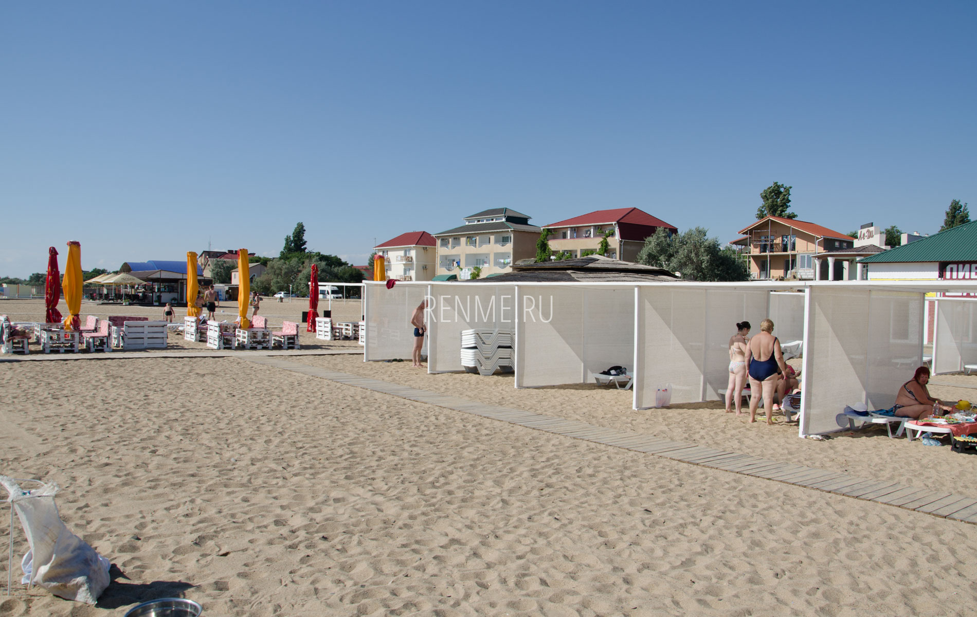 Пляж в Саках. Фото Сак