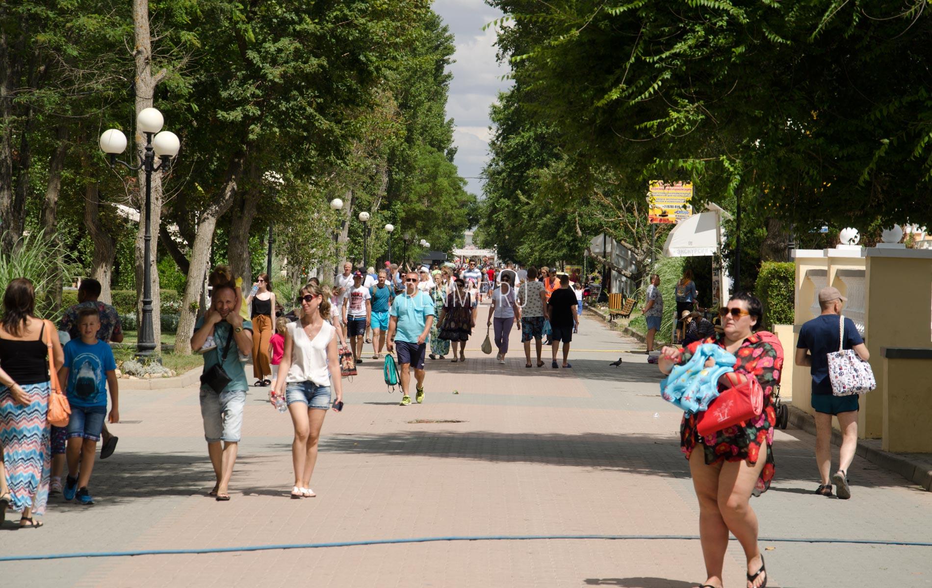 Набережная Евпатории в июле 2020. Фото Евпатории