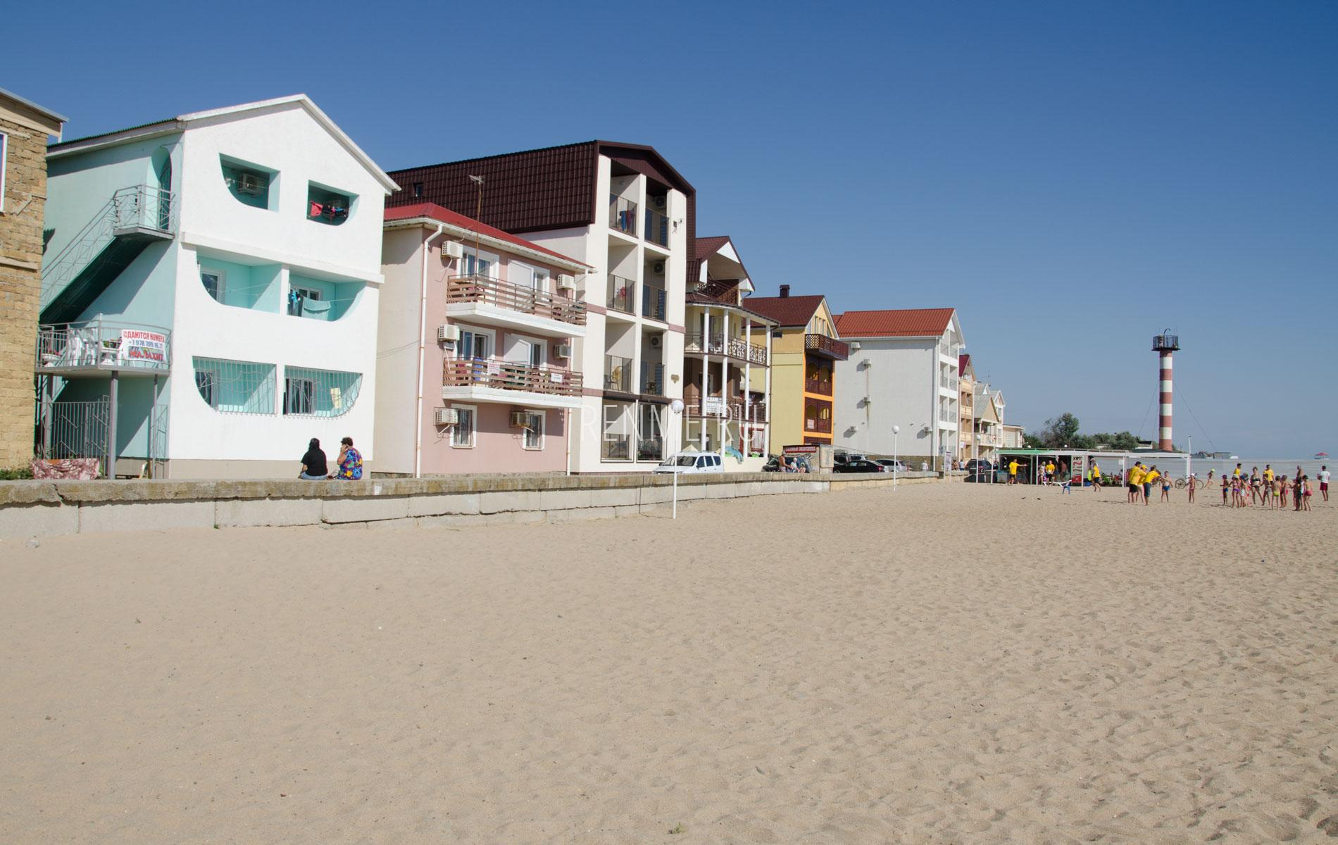 Отели на пляже в  Саках. Фото Сак