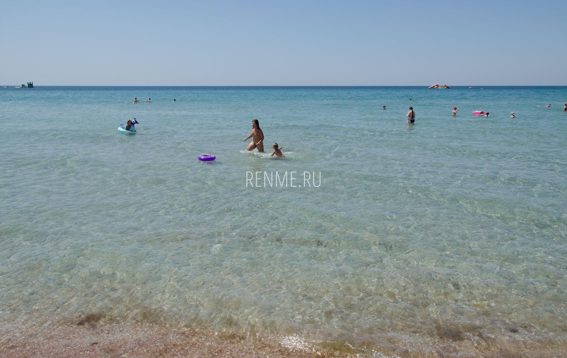 Вода в море. Крым. Фото Штормового
