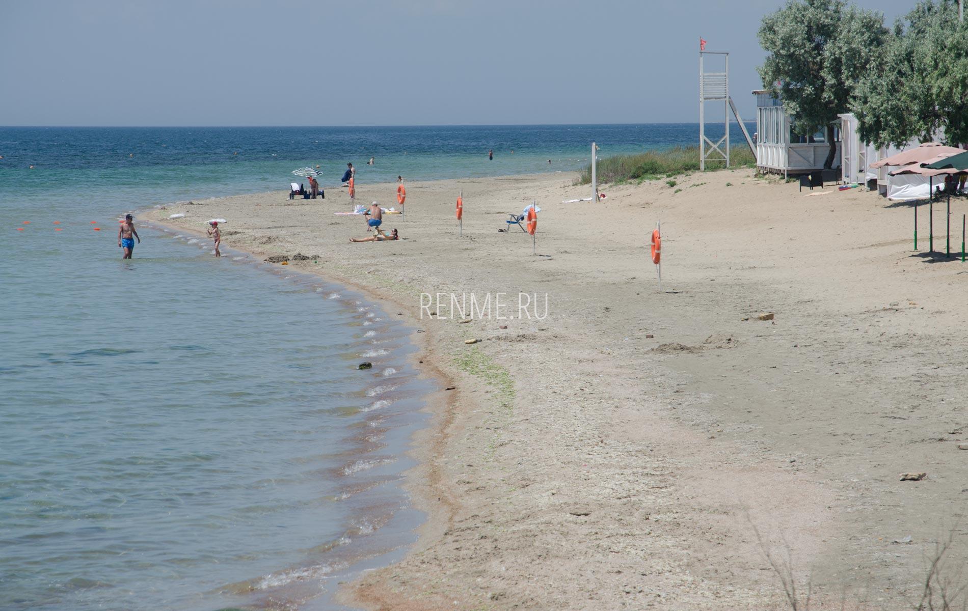 Пляж Мохито в июне 2020. Фото Заозёрного