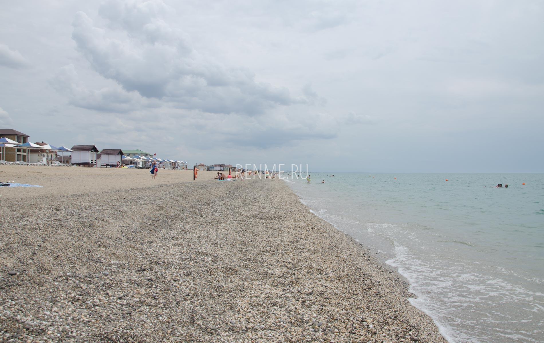 Такие пляжи в Крыму. Фото Прибрежного