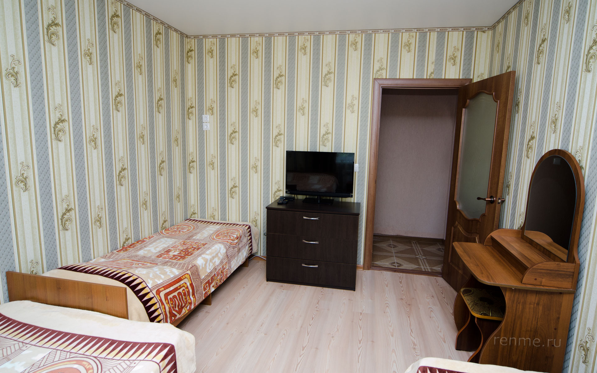 Комната. Двухкомнатная квартира-студия на первом этаже. Апарт-отель на ул. Гайдара. Заозёрное
