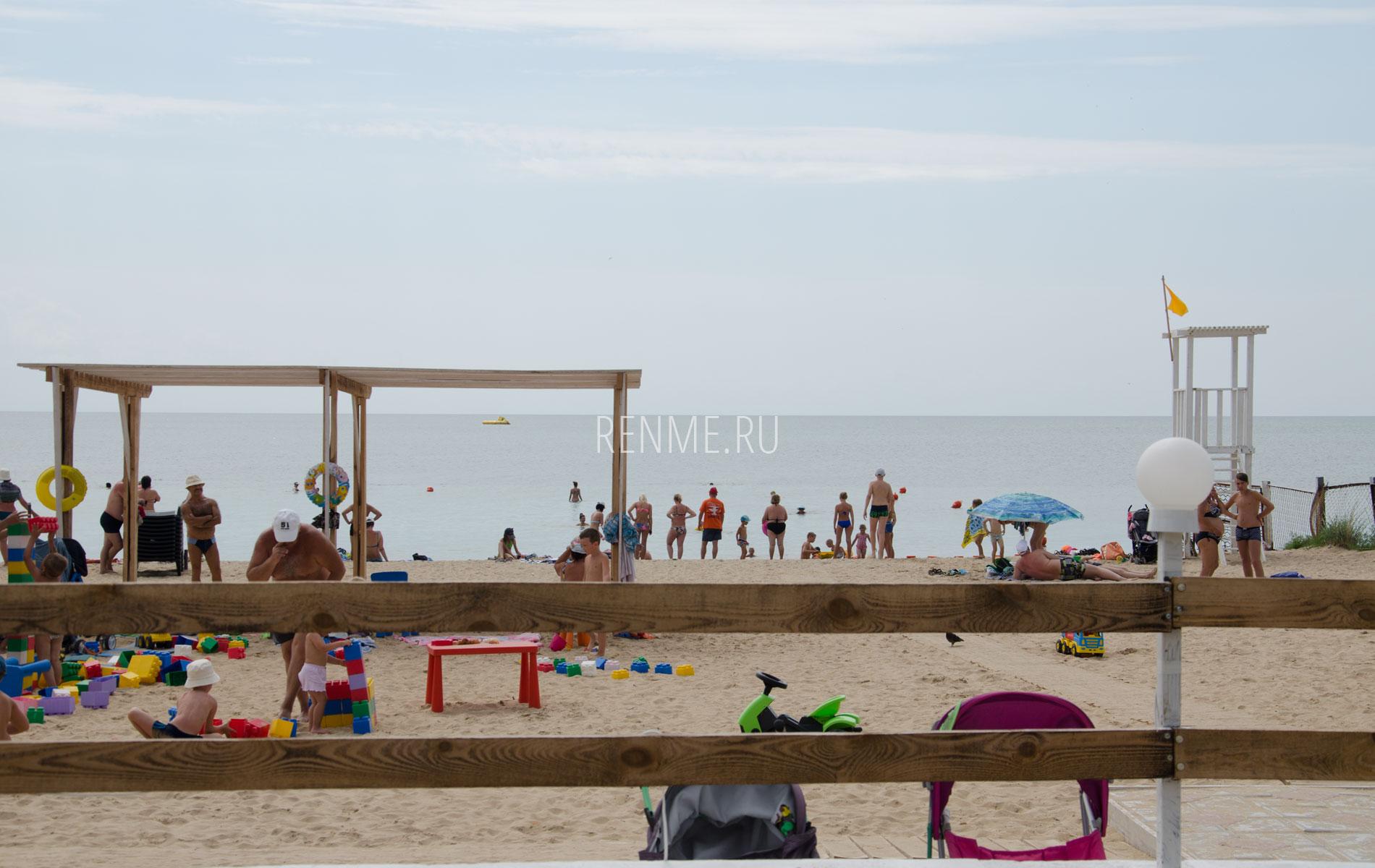 """Пляж """"Арго"""" летом 2019. Фото Заозёрного"""