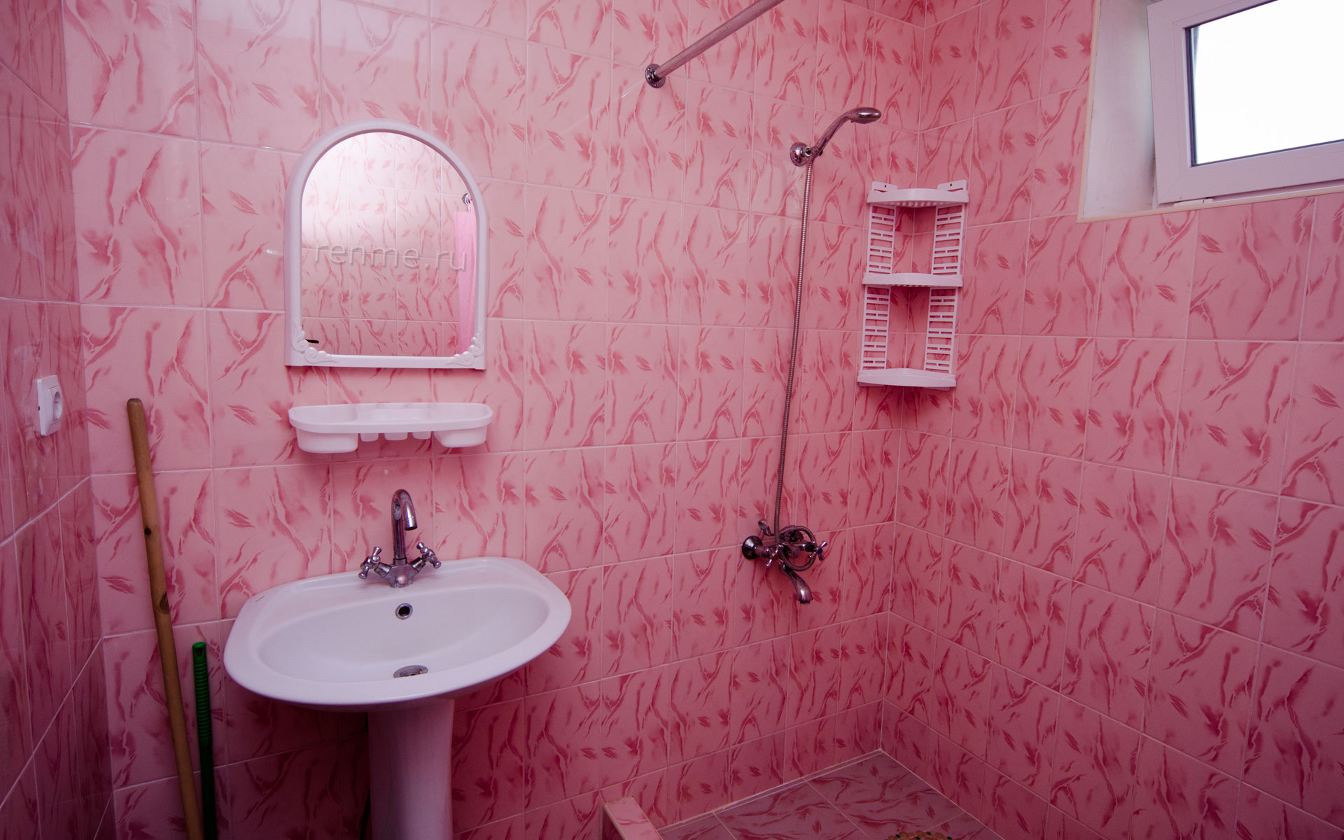Душ, туалет. Однокомнатная квартира. Апарт-отель на ул. Гайдара. Заозёрное