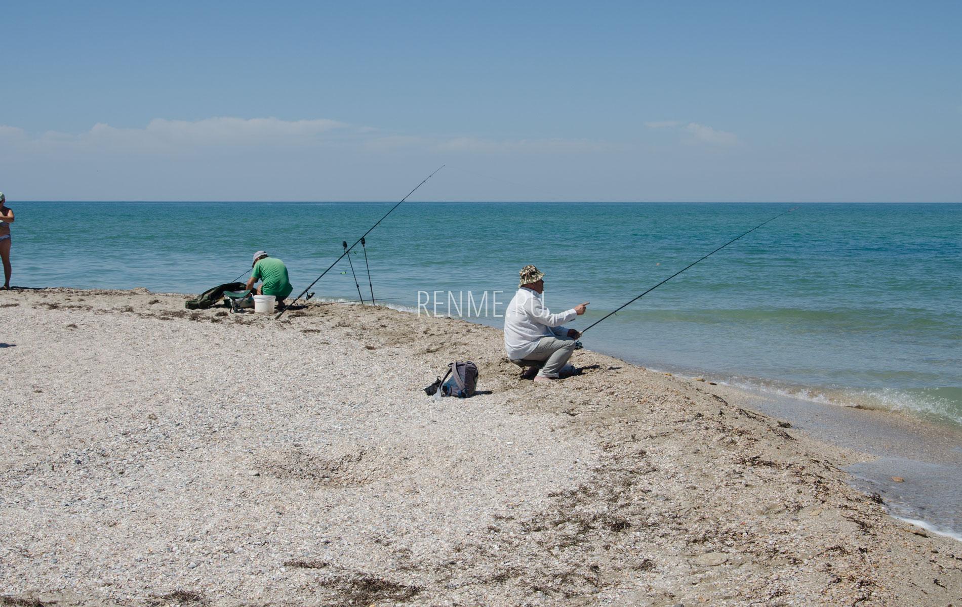 Рыбаки на Бакальской косе. Фото Стерегущего
