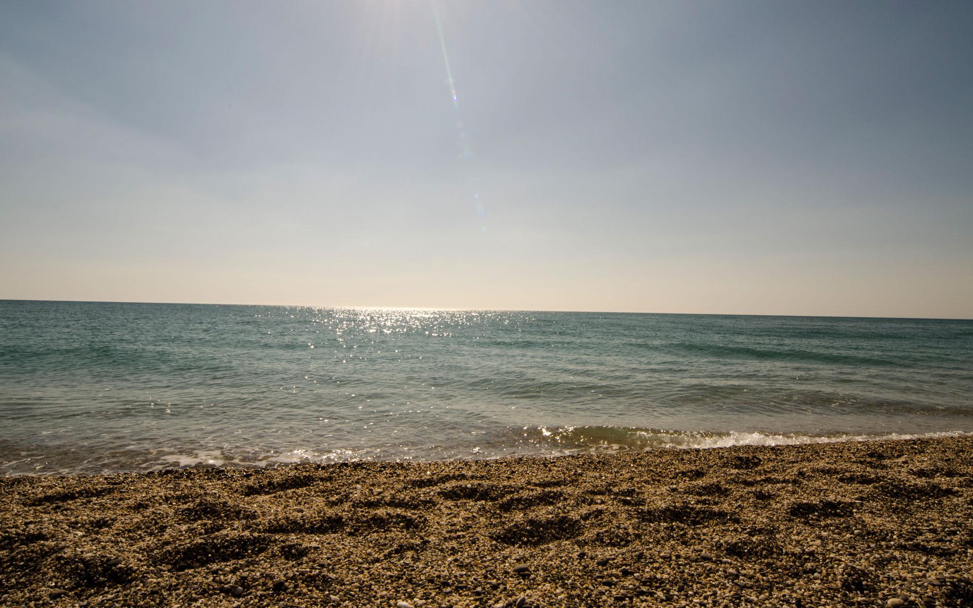 Западный берег Крыма в апреле 2019. Фото Евпатории
